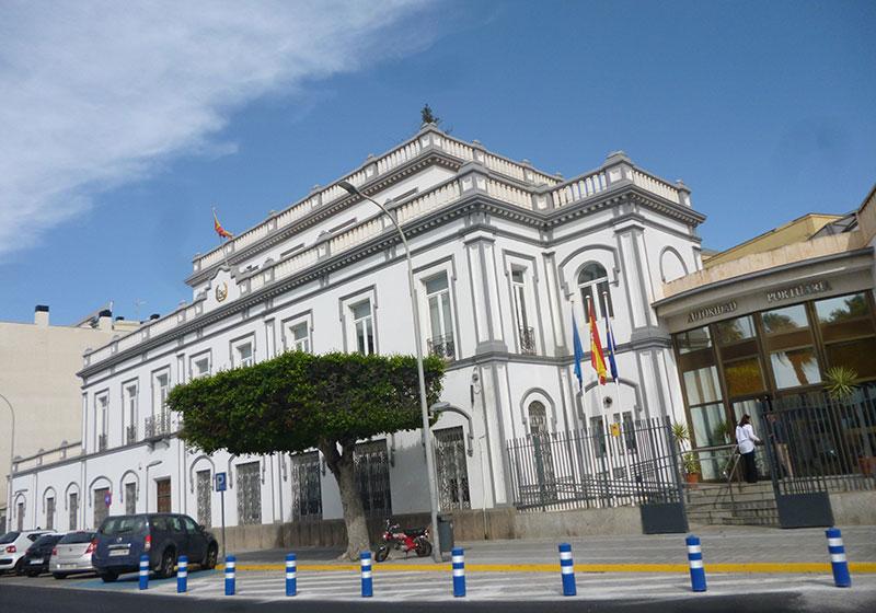 Edificio_de_la_Autoridad_Portuaria
